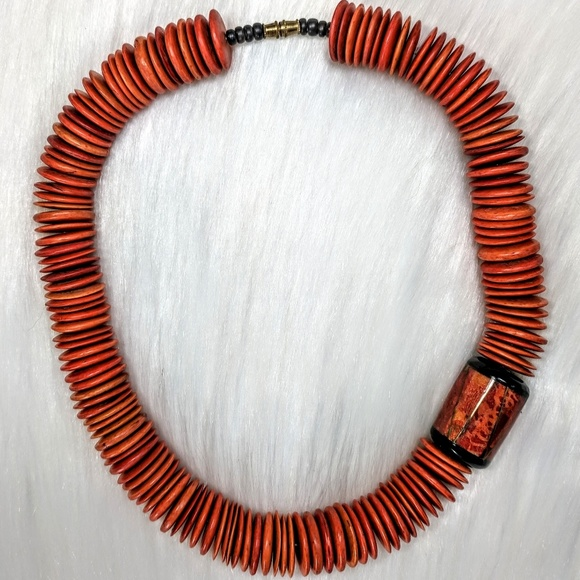 Jewelry - Incredible Vintage Wood & Lacquered Necklace